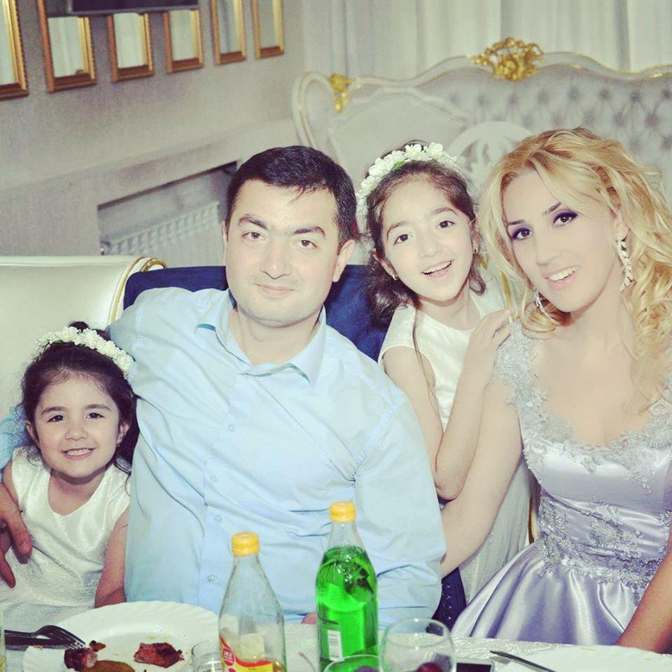 ArmNews TV-ի «Ամենից Ամենա Հայրիկներ» (30.04.2016) հաղորդաշարի շքերթում հայտնվեց նաև նկարիչ Արամ Դանիելյանը՝ իր հիասքանչ աղջիկների և տիկնոջ հետ