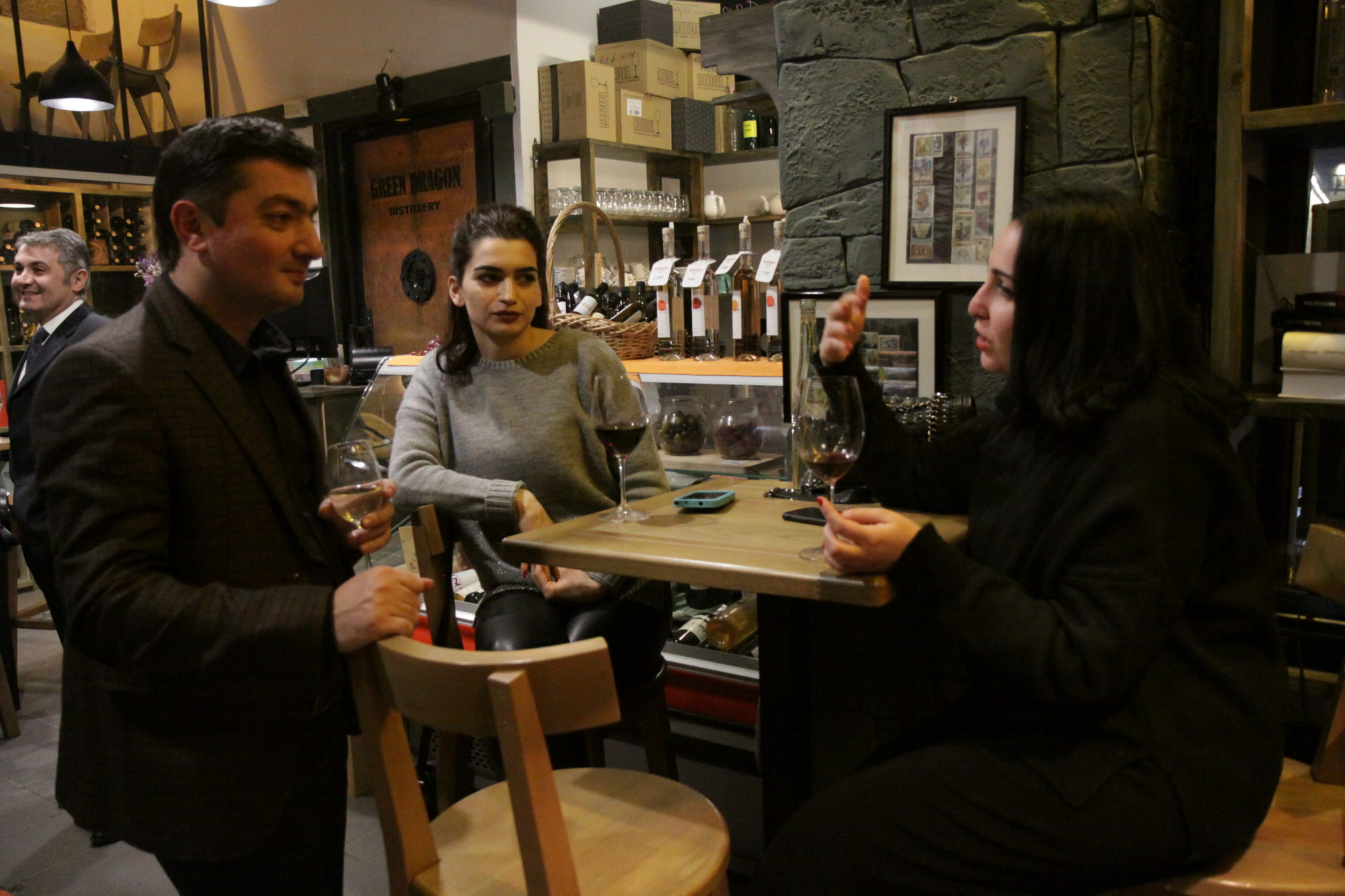 """One Painting Evening"" at ""Enoteca EVN"" (PHOTO, VIDEO)"